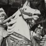 Linnanmäen huvipuisto Helsingin Vesilinnanmäellä oli ja on edelleen paikka ilolle ja riemulle. Sitä ylläpitää Lasten päivän säätiö. Kuva: Helsingin kaupunginmuseo.
