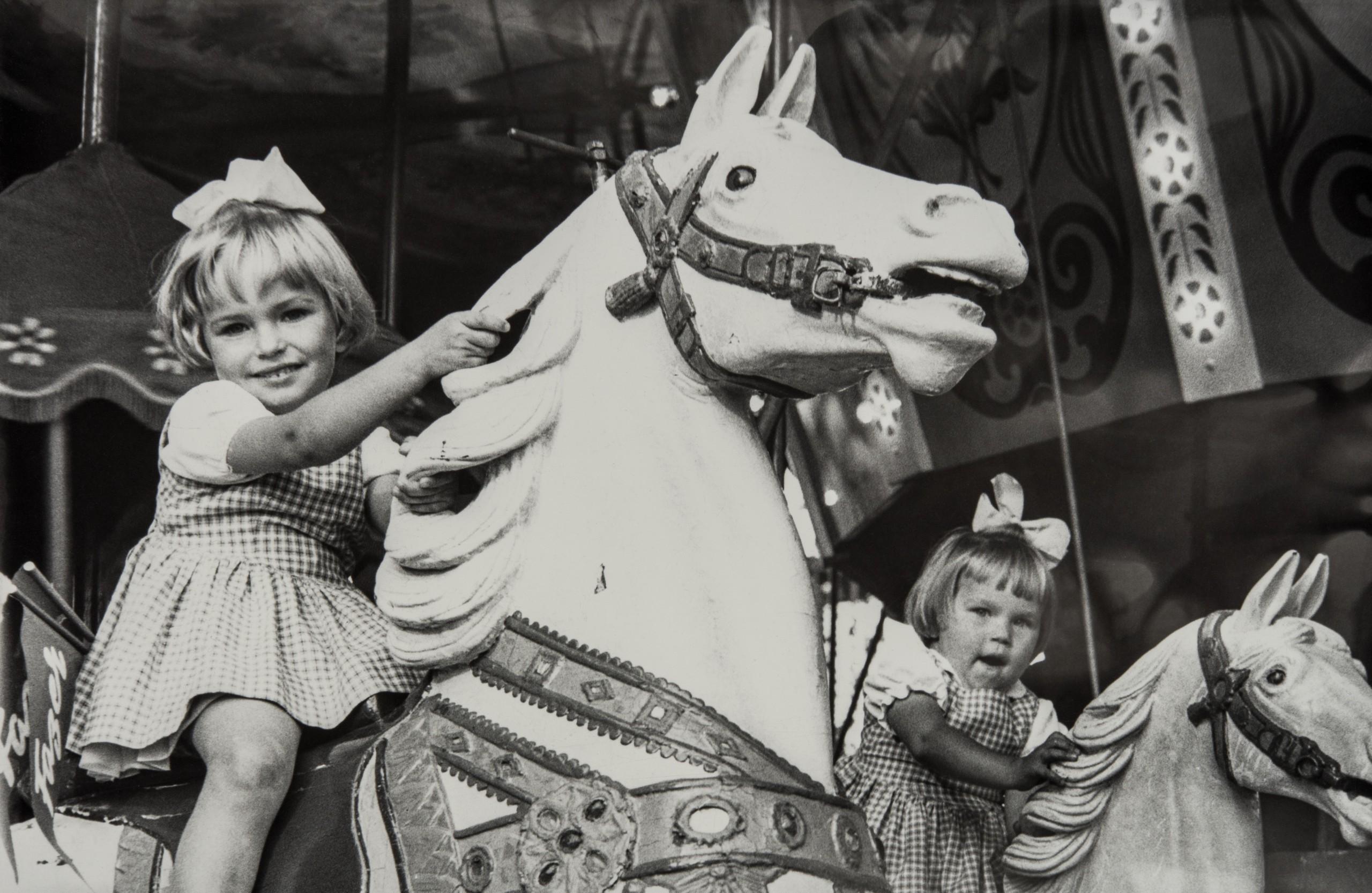 Lapset Linnanmäellä